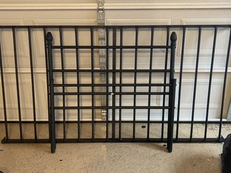 Black Metal Twin Bed Frame for Sale in Bothell,  WA