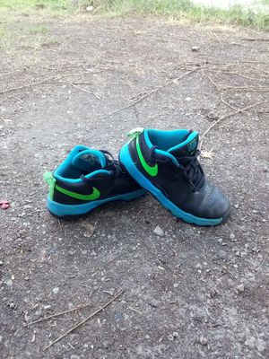 Nike youths shoes for Sale in St. Louis, MO