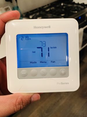 Honeywell t6 pro programmable thermostat for Sale in Fairfax, VA