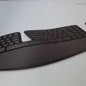 Microsoft Ergo Sculpt Wireless Keyboard & Mouse for Sale in Seattle, WA