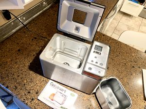 Cuisinart Convection Bread Maker CBK-200 for Sale in Wilsonville, OR