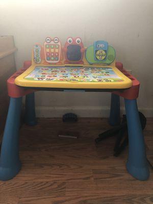 Kids v tech desk for Sale in Bakersfield, CA
