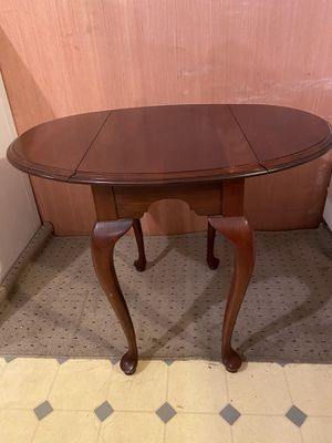 Ethan Allen side/ coffee table for Sale in Buffalo, NY