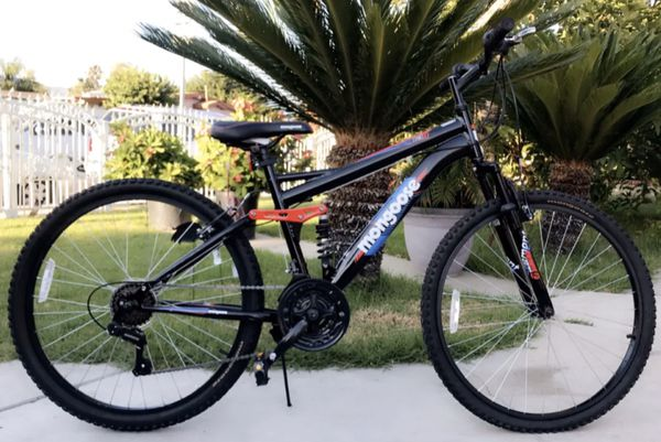 "Mongoose Stand- Off 26"" Men's Mountain Bike"