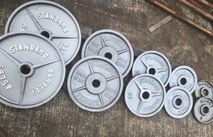 STANDARD BRAND OLYMPIC WEIGHTS PLATES for Sale in Kaneohe, HI