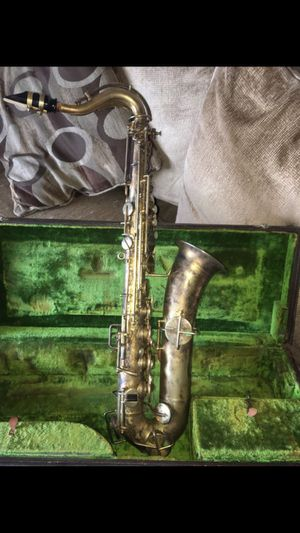 Buescher true tone saxophone for Sale in San Antonio, TX