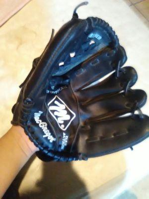Softball glove for Sale in Fresno, CA