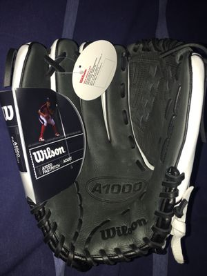 Adult Softball left handed glove , Wilson A1000 for Sale in Tampa, FL
