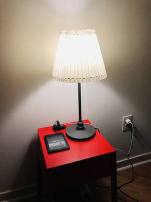 1 Table Lamp with bulb for Sale in Jersey City, NJ