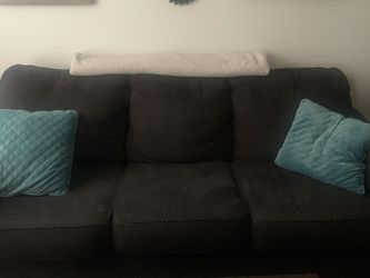 Couch And Loveseat - Need Gone ASAP for Sale in Murfreesboro,  TN
