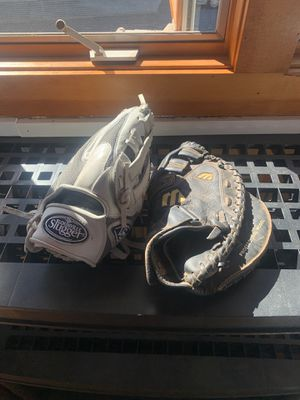 Baseball gloves for Sale in Ansonia, CT