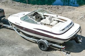 19ft 2001 Maxum Boat with Trailer for Sale in Snohomish, WA