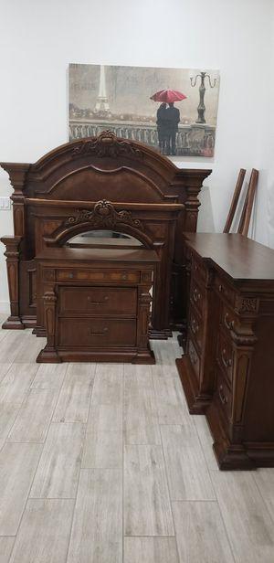 Bedroom Set. Queen Size. Recamara for Sale in Sun City, AZ
