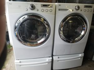 LG 4.2cu. ft. Stackable washer and dryer for Sale in Tacoma, WA