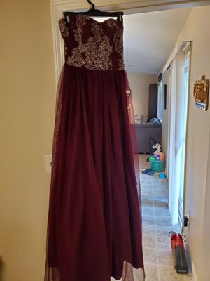 Formal/prom dress for Sale in Pumpkin Center, CA