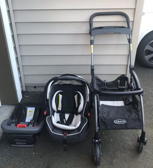 Graco car seat, base and car seat stroller (frame) for Sale in Beaverton, OR