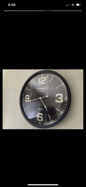 """38"""" Diameter Wall Antique Clock Brown for Sale in Trabuco Canyon, CA"""