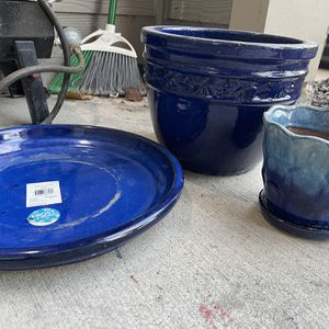 Flower Pots Set Of 2 for Sale in Plano, TX