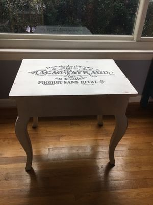 End table for Sale in Aspen Hill, MD