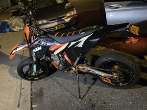 Dirt bike + rims n tires for Sale in The Bronx, NY