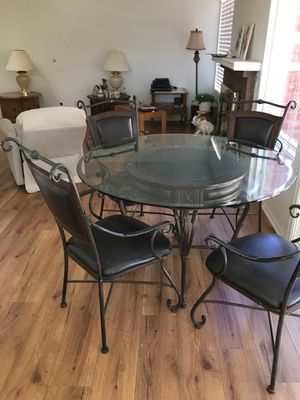 Kitchen table and chairs with glass top for Sale in Mission Viejo, CA