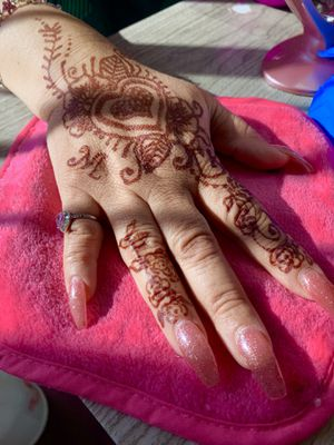 Valentines Henna (after paste) 3rd slide is henna special for Sale in San Diego, CA