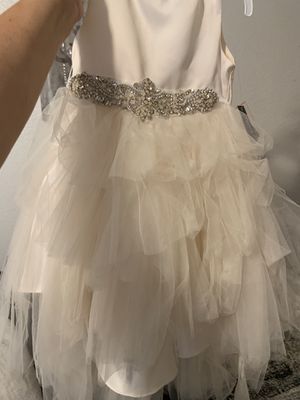 NEW Beautiful ivory dress 2T flower girl or event dress for Sale in San Diego, CA