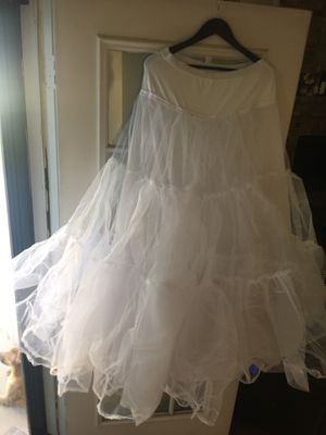 Crinoline/tulle netting size M for Sale in Austell, GA