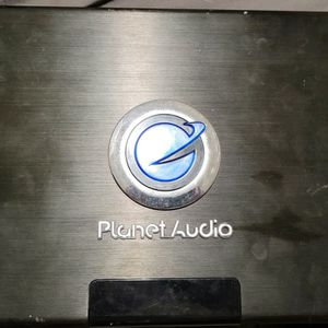 Planet Audio Amp 1800 Watts. And Dvd Pioneer for Sale in Haines City, FL