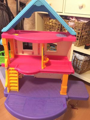 Fisher Price little people doll house for Sale in Scottsdale, AZ