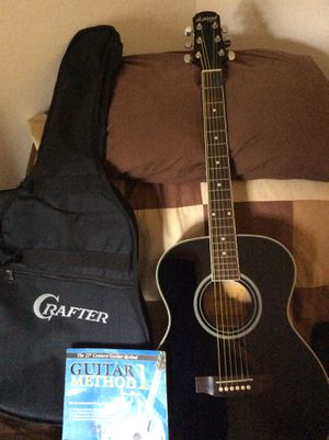 """Crafter """"Ashland"""" model acoustic guitar with gig bag and book for Sale in Waterbury, CT"""