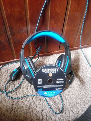Gaming headphones and Black ops 4 for Sale in Taylor, MI