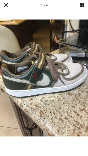 Nike Womens Cream/dark green/brown Sneakers 2008 Everyday Shoe Size 10 (Porter Ranch) for Sale in Los Angeles, CA