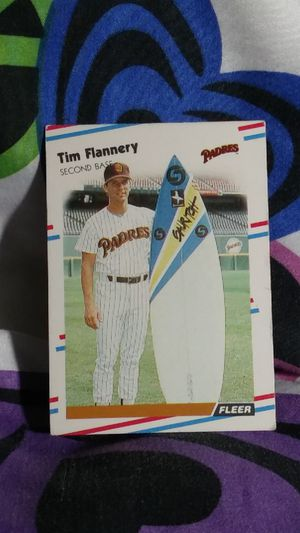 1988 (PADRES ) FLEER Glossy #582 TIM FLANNERY W/Surfboard for Sale in Port Huron, MI