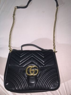Gucci marmont top handle bag for Sale in Naples, FL