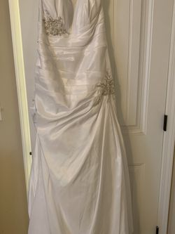 David's Bridal Wedding Dress WG3032 Size 16 for Sale in Buford,  GA