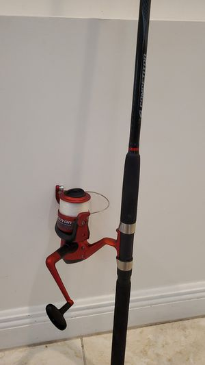 Southbend Competitor rod and reel combo 8 foot fishing pole for Sale in Fort Lauderdale, FL