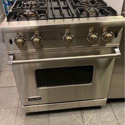 """30"""" Viking Pro Style Gas Range for Sale in Lake Elsinore,  CA"""