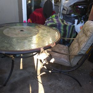 Patio Glass Table W 4 Chairs Color Greesn for Sale in Hayward, CA