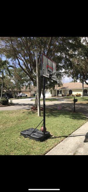 Spalding basketball hoop for Sale in Coral Springs, FL