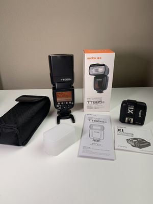 Godox TT685o Flash and X1T Trigger for Sale in Tampa, FL