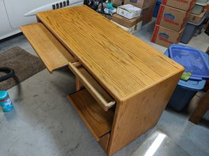 Desk- free for Sale in Troutdale, OR