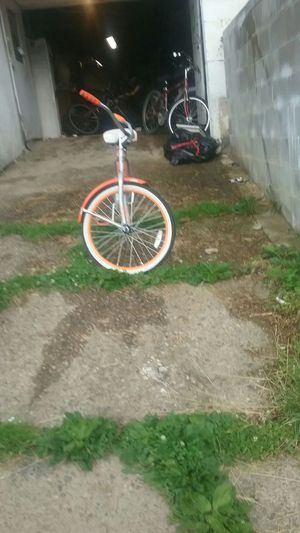 Cruiser bike for Sale in Clarksburg, WV