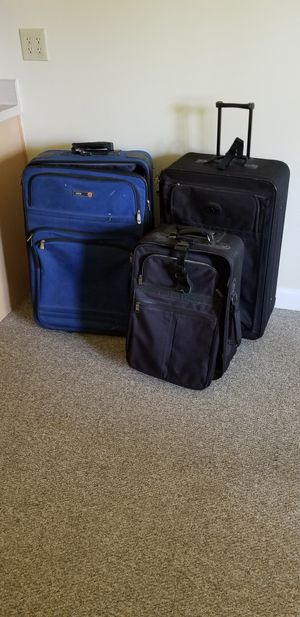 2 suitcases for Sale in Chapel Hill, NC