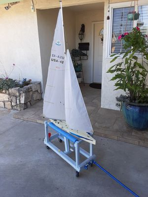 KYOSHO 42 INCH SAILBOAT for Sale in Lakewood, CA