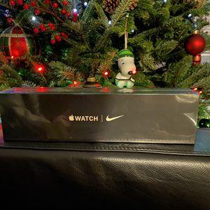 Apple Watch Nike Series 5 40mm GPS+Cellular Unlocked!!! for Sale in Lakeland, FL