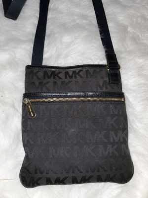 Authentic Michael Kors Crossbody Purse for Sale in Fresno, CA