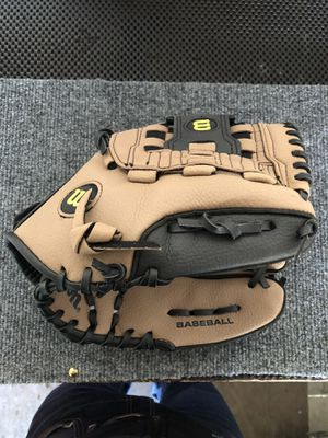 Youth baseball 11.5 glove for Sale in Albuquerque, NM