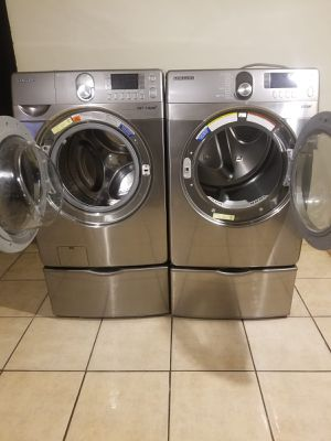 STAINLES STEEL SAMSUNG WASHER AND GAS STEAM DRYER LARGE CAPACITY 90 DAYS WARRANTY for Sale in Glendale, AZ