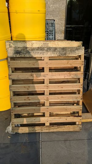 FREE PALLETS! for Sale in Scottsdale, AZ